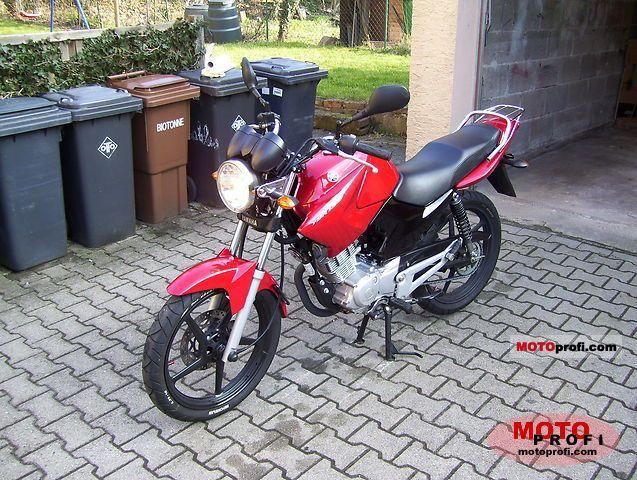 Yamaha YBR 125 2010 photo