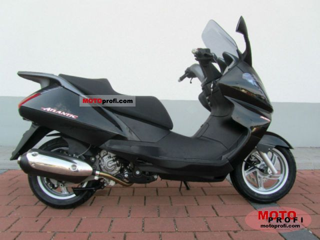 Aprilia Atlantic 300 2011 photo
