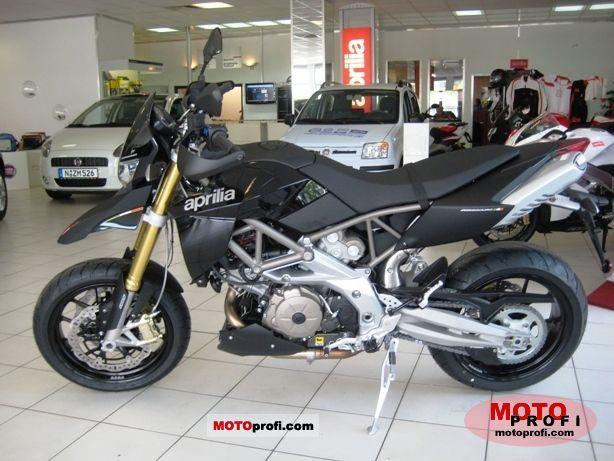 Aprilia Dorsoduro 750 ABS 2011 photo