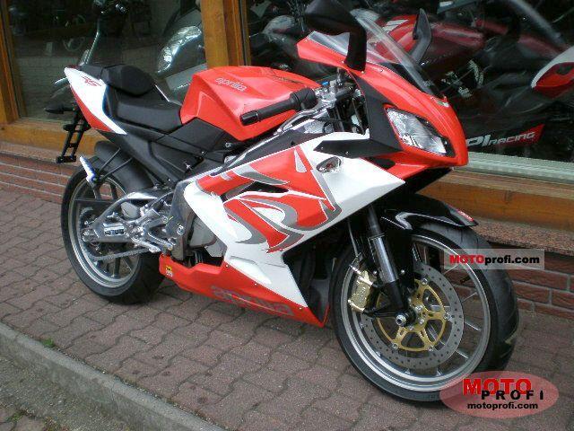 Aprilia RS 125 2011 photo