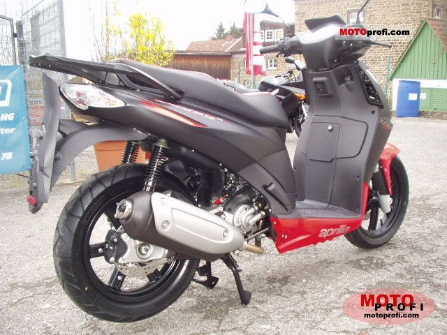 aprilia sportcity cube 125 2011 specs and photos. Black Bedroom Furniture Sets. Home Design Ideas