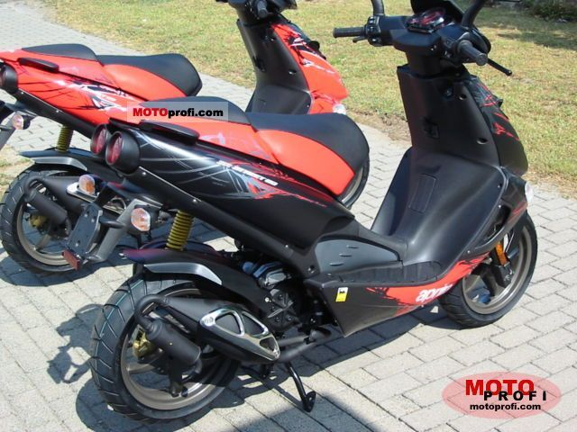 aprilia sr 50 r street 2011 specs and photos. Black Bedroom Furniture Sets. Home Design Ideas