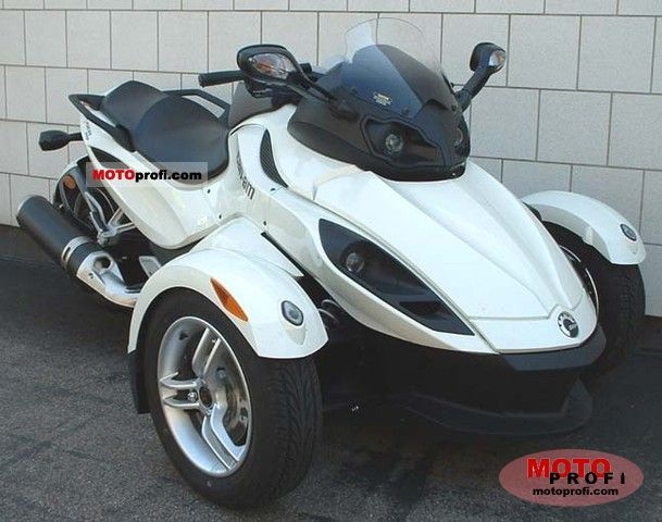 Can-Am Spyder Roadster RS 2011 photo