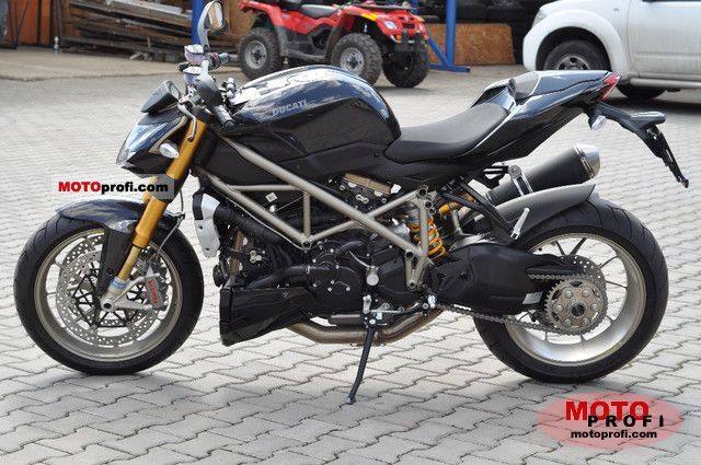 Ducati Streetfighter S 2011 photo
