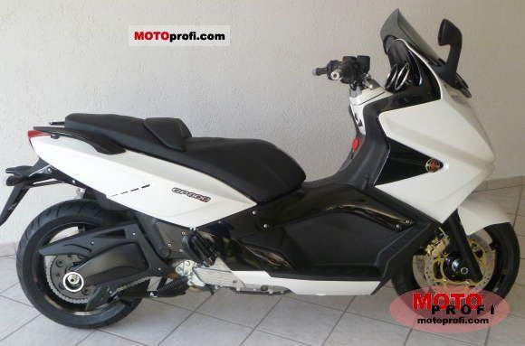 Gilera GP 800 2011 photo