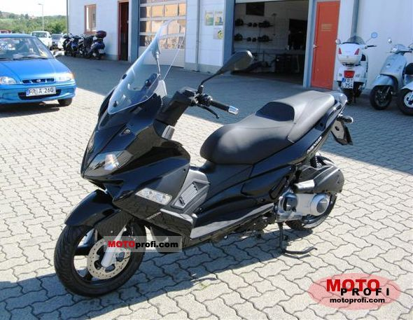 Gilera Nexus 300 2011 photo