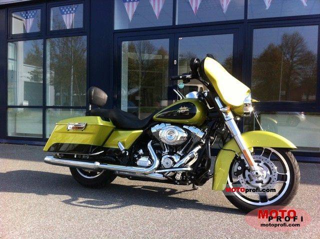 Harley-Davidson FLHX Street Glide 2011 photo
