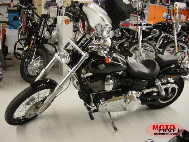 Harley-Davidson FXDWG Dyna Wide Glide 2011 photo
