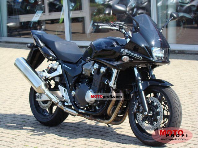 Honda CB1300SA 2011 photo