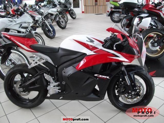 Honda CBR600RR 2011 photo