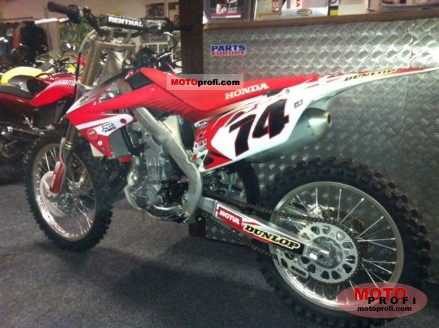 Honda CRF250R 2011 photo