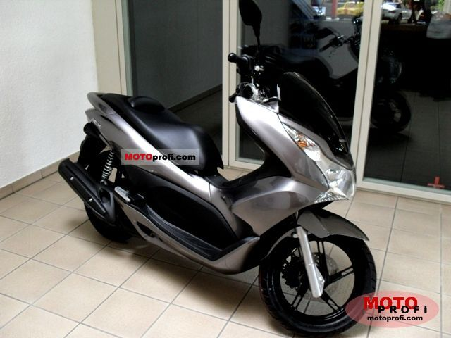 Honda PCX 2011 photo
