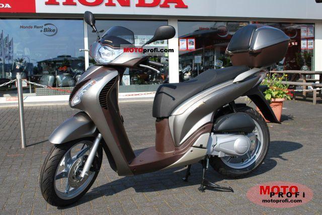 Honda SH125i 2011 photo