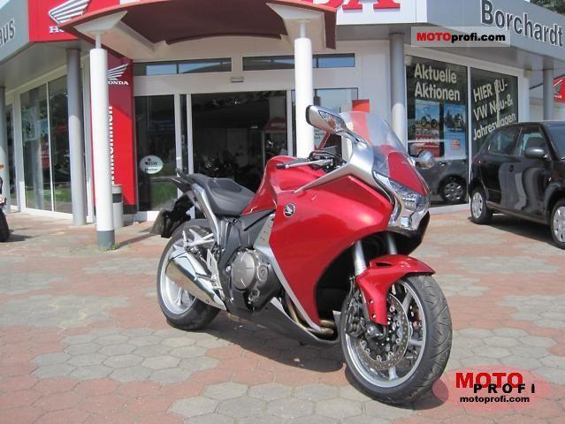 Honda VFR1200F 2011 photo