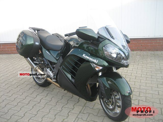 Kawasaki 1400 GTR 2011 photo