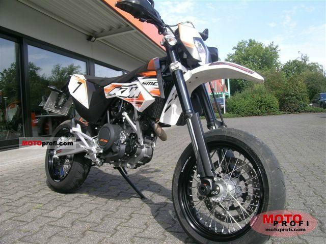 KTM 690 SMC 2011 photo
