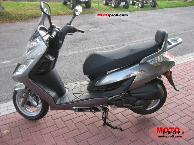 kymco yager gt 125 2011 specs and photos. Black Bedroom Furniture Sets. Home Design Ideas