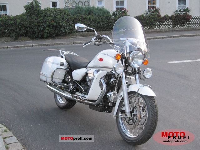 Moto Guzzi California Vintage 2011 photo