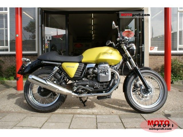 Moto Guzzi V7 Cafe Classic 2011 photo