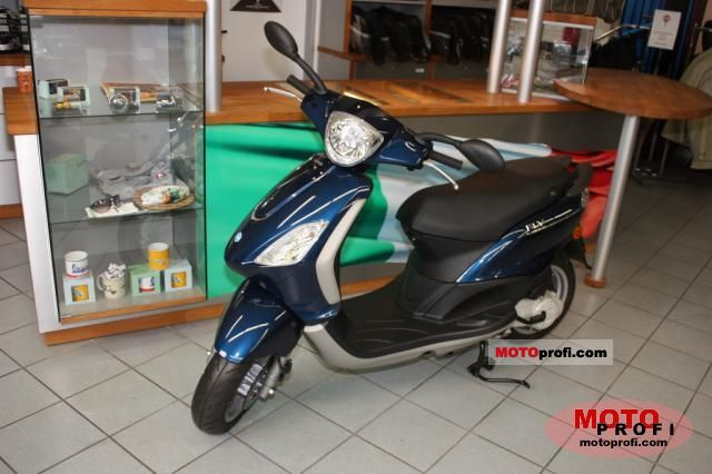 Piaggio Fly 125 2011 photo