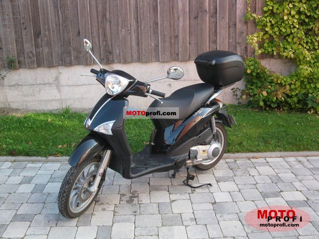 Piaggio Liberty 125 2011 photo