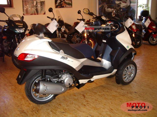 Piaggio MP3 125 Hybrid 2011 photo