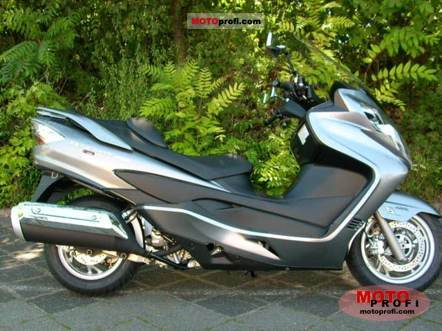 Suzuki Burgman 400 2011 photo