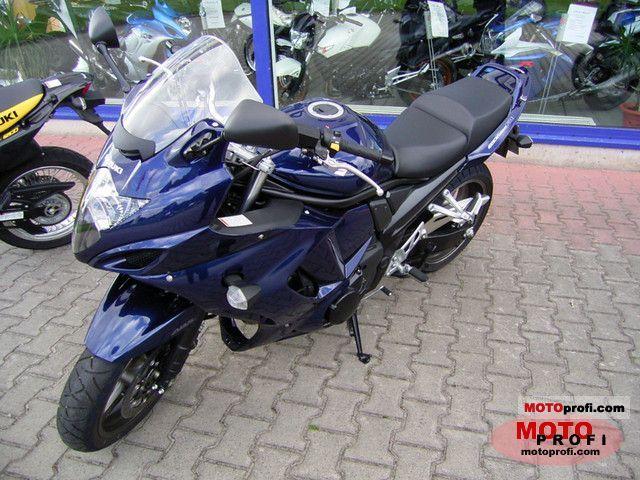 Suzuki GSX1250FA 2011 photo