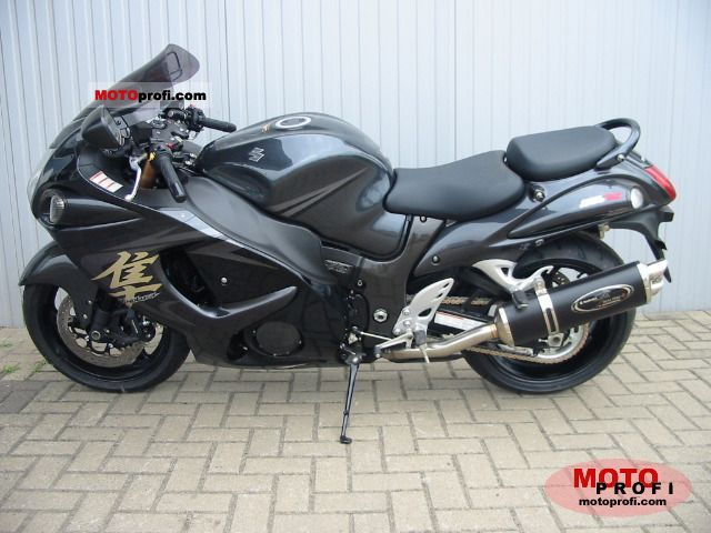Suzuki Hayabusa GSX-R 1300 2011 photo