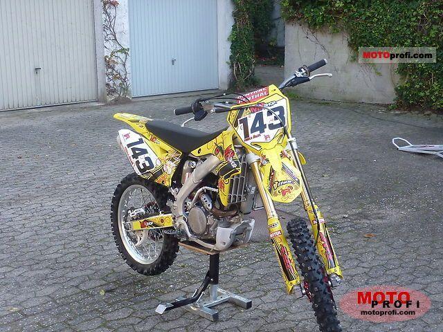 Suzuki RM250 2011 photo