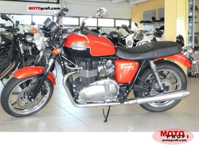Triumph Bonneville SE 2011 photo