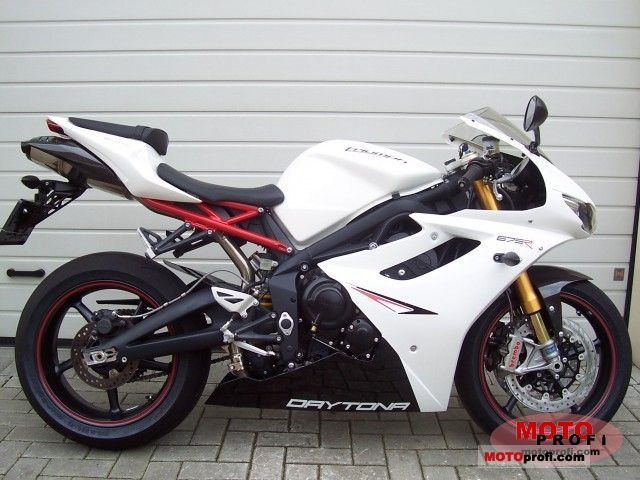 Triumph Daytona 675 R 2011 Specs And Photos