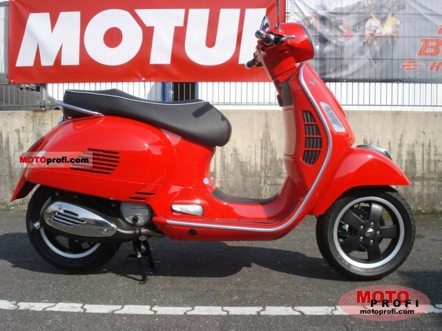 Vespa GTS 125 Super 2011 photo