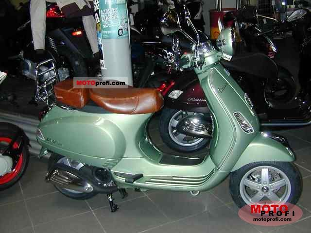 Vespa LXV 125 i.e. 2011 photo