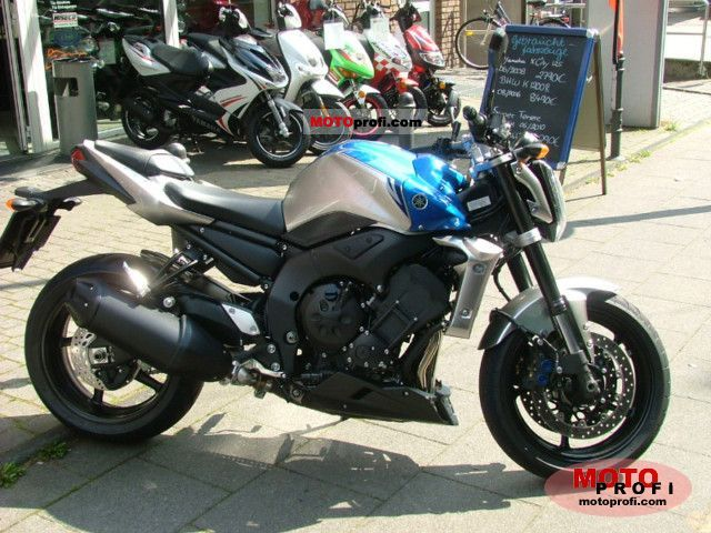 Yamaha FZ1 2011 photo