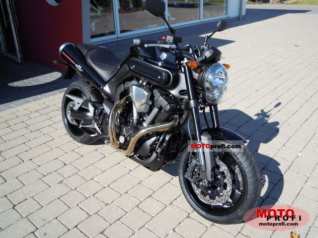 Yamaha MT-01 2011 photo