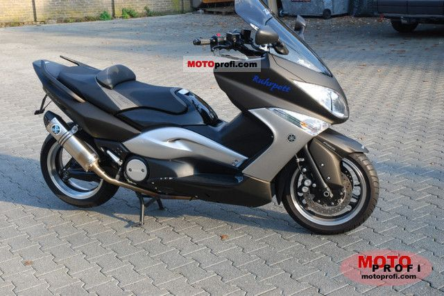 Yamaha TMAX 2011 photo