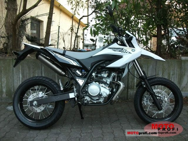 Yamaha WR125X 2011 photo