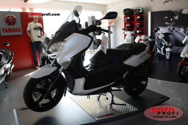 Yamaha X-Max 250 2011 photo