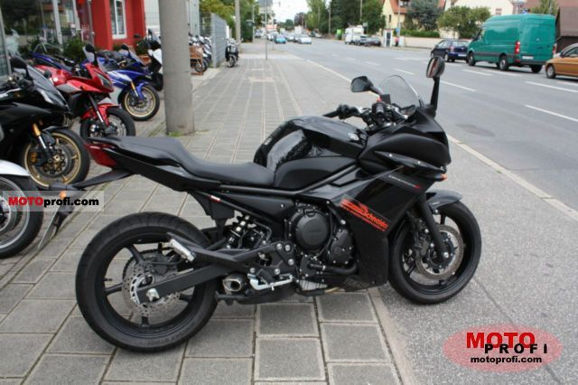 Yamaha XJ6 Diversion F 2011 photo