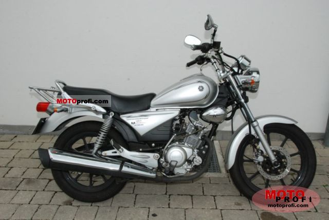Yamaha YBR125 Custom 2011 photo