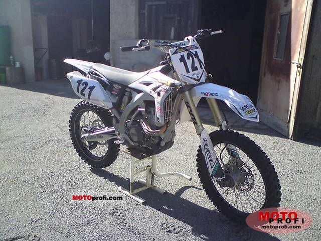 Yamaha YZ250F 2011 photo