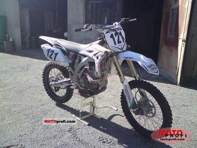 Yamaha YZ250F 2011 photo