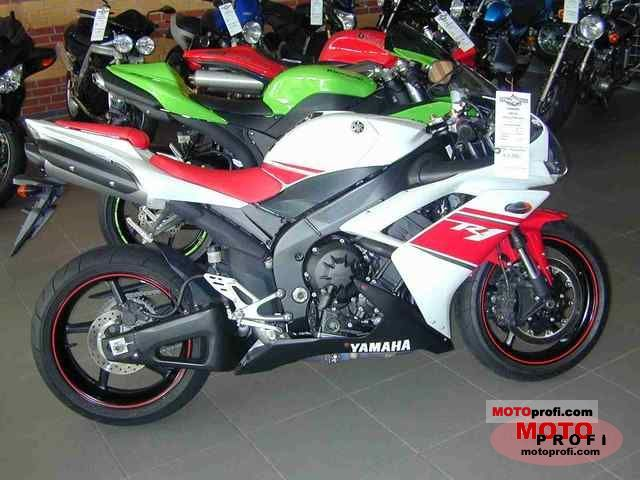 Yamaha YZF-R1 2011 photo