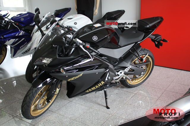 Yamaha YZF-R125 2011 photo